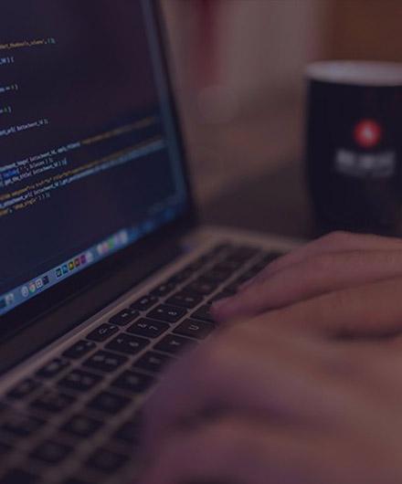 微信小程序开发的时候顶部可以自定义吗